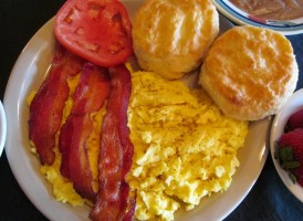 bacon-and-eggs-988x741