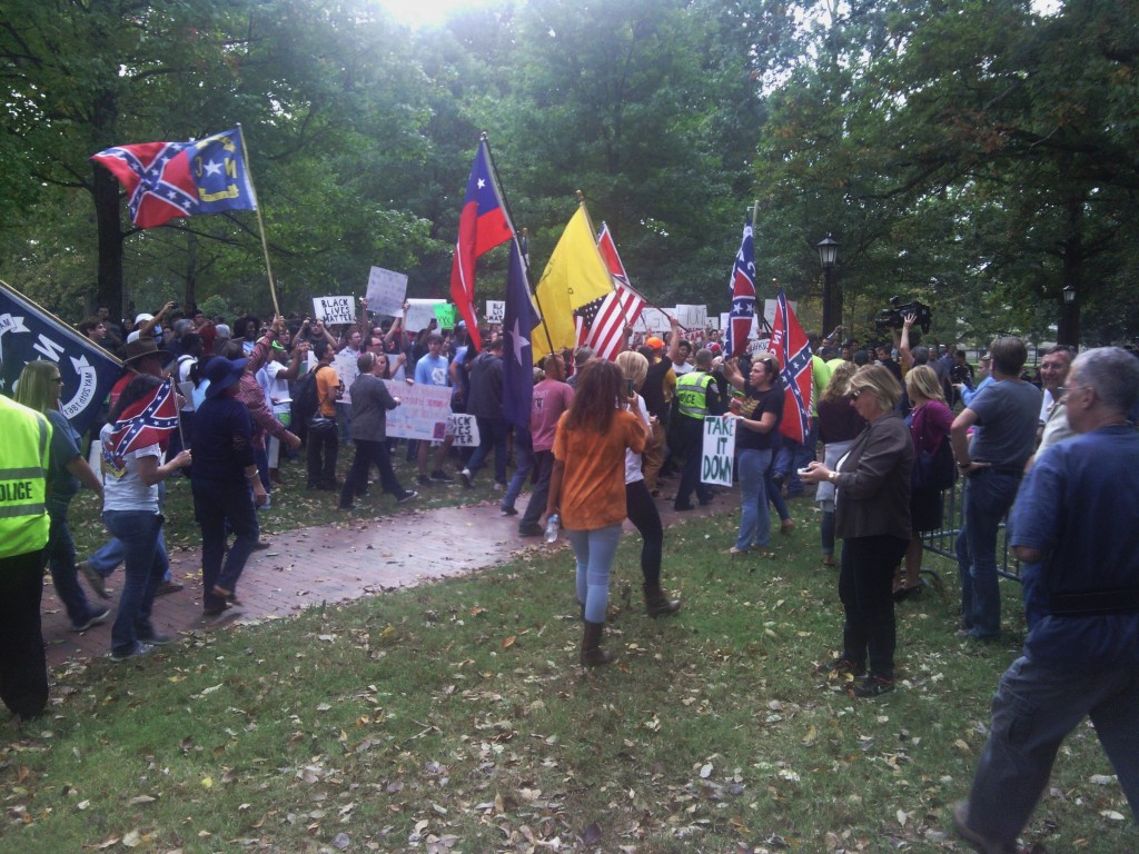 Pro-Confederate demonstrators meet counter-protestors on campus. (Photo by Aaron Keck.)