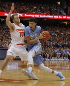 Justin Jackson drives to the basket against Syracuse''s Trevor Cooney. (AP Photo/Nick Lisi)