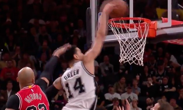 Danny Green Throws it Down