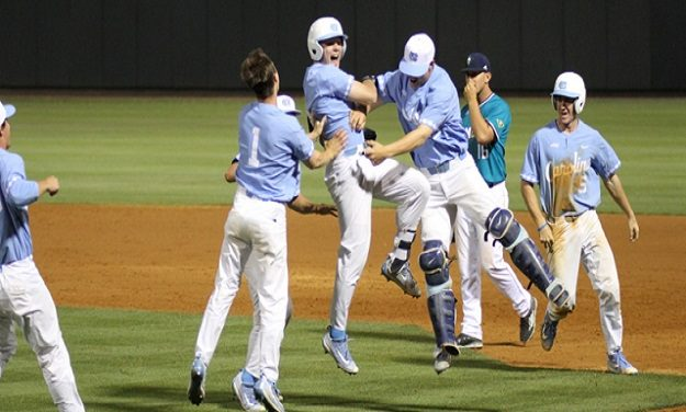 "Datres' Heroics Help UNC Take ""Must-Win"" Game from UNC-Wilmington"