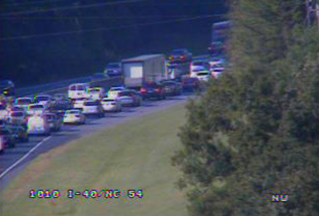 Crash on I-40 WB Between NC-54 and US 15-501 Causes Friday Traffic