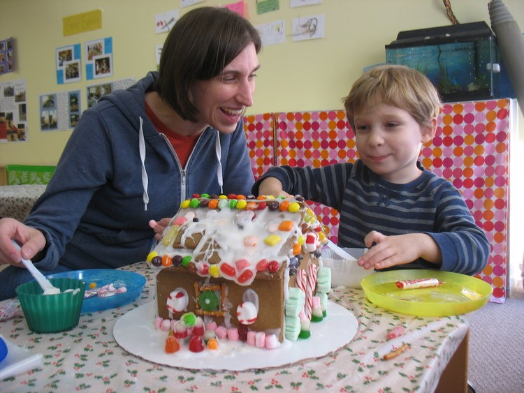 gingerbread-house-1